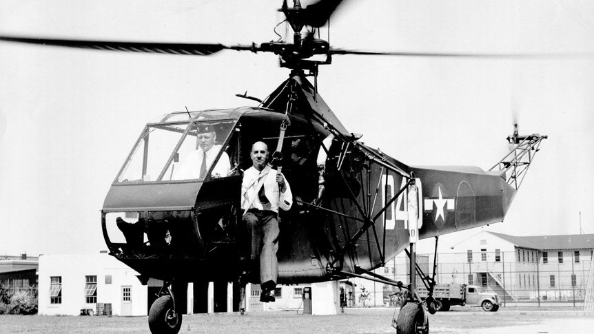A Brief History of the Sikorsky R-4: The First Mass-Produced Helicopter